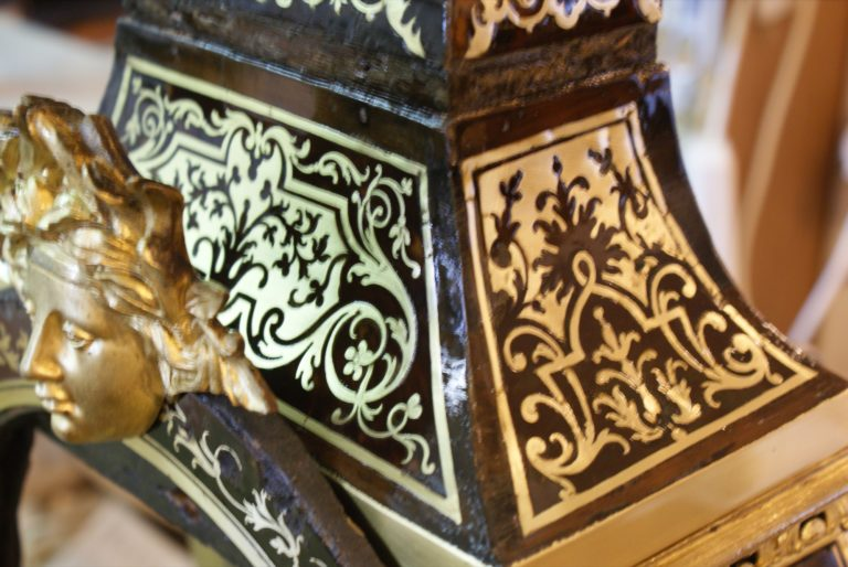 Cartel écaille brune